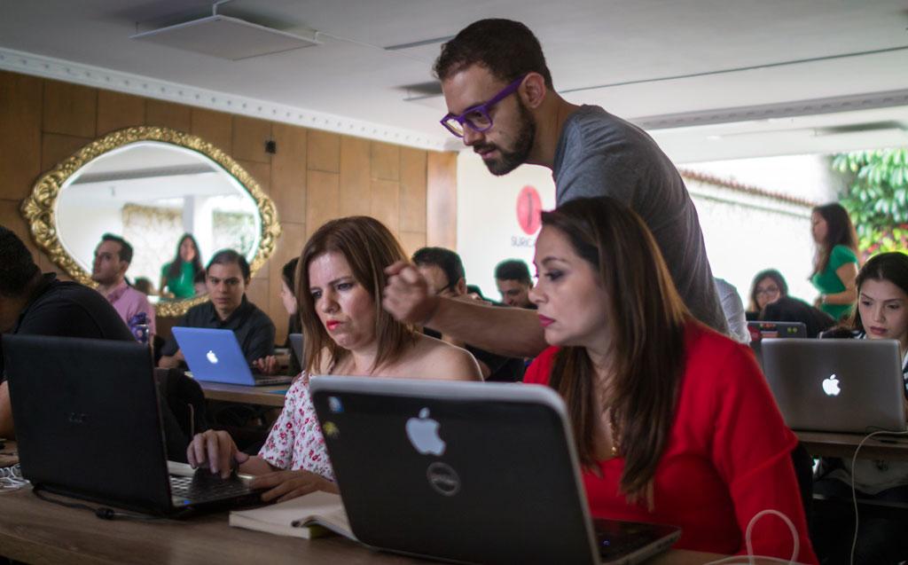 https://suricatalabs.com/wp-content/uploads/2018/05/Si-eres-emprendedor-digital-y-no-vendes-lo-suficiente-inscríbete-y-evoluciona-tu-negocio-en-este-2018.jpg