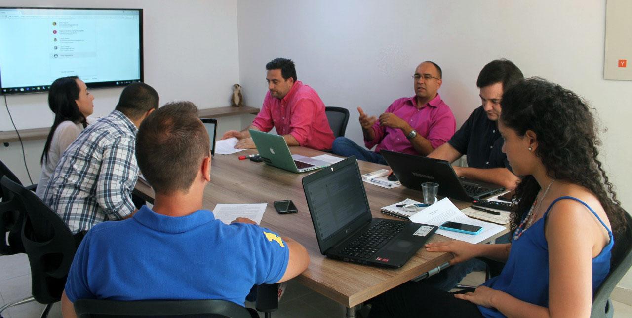 https://suricatalabs.com/wp-content/uploads/2019/07/En-Bucaramanga-las-empresas-con-negocios-digitales-son-apoyados-para-crecer-suricata-labs.jpg